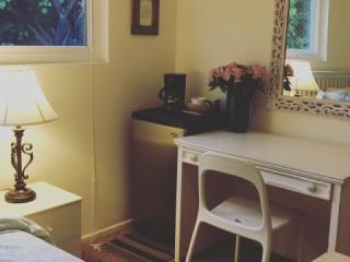 Beautiful Santa Barbara Room, Available August 28