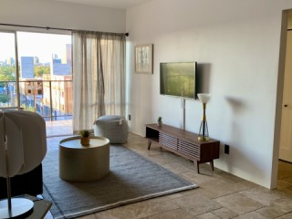 Entire Apartment- 607 High-Rise Downtown Phoenix, Historic RoRo District -...